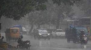 झारखंड के कई हिस्सों में जोरदार बारिश, रांची की सड़कों पर भरा पानी